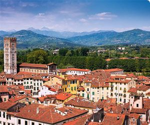 Car hire Lucca, Italy - compare offers of car rental Tuscany