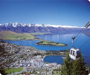 Car rental from Queenstown Airport – discover New Zealand in a hire car