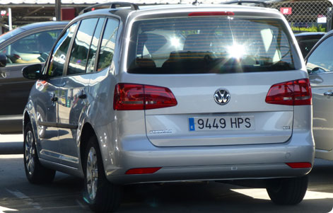 VW Touran cheap minivan hire