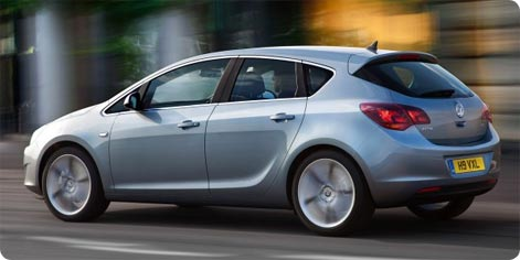 Vauxhall Astra compact class car hire Glasgow Airport