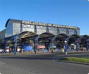 Wroclaw Airport car hire - compare car rental rates in Poland
